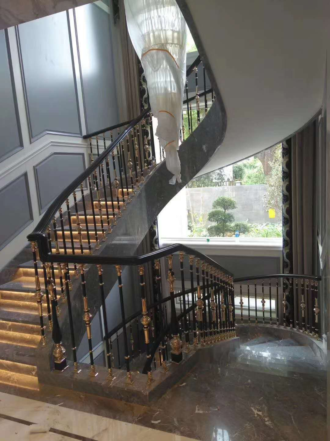 Song cầu thang - con tiện cầu thang XW 55